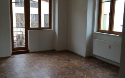 obývací pokoj - vstup na balkon