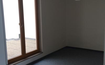 ložnice se vstupem na terasu